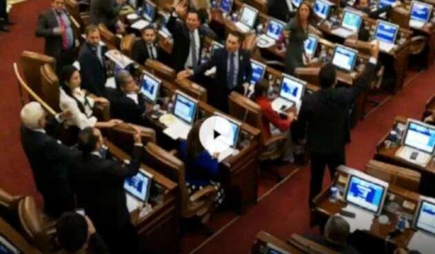 Moción de censura contra Carrasquilla