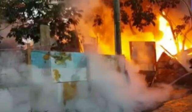 Incendio de bodega en Cartagena