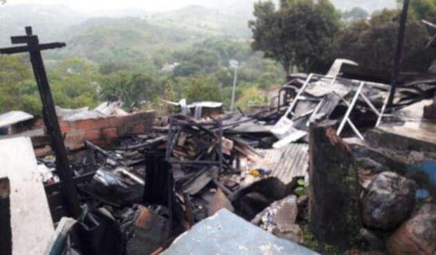 Asentamiento humano incendiado