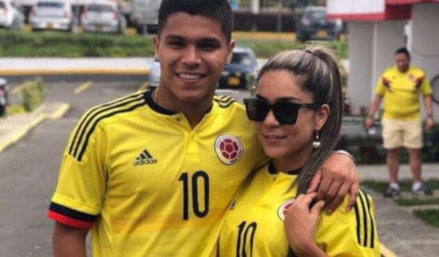 Cucho Hernández y su mamá