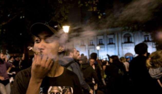 Legalizan consumo de marihuana recreativo