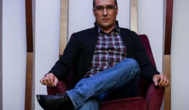 Matador, Julio César González, un mordaz critico de la realidad nacional.