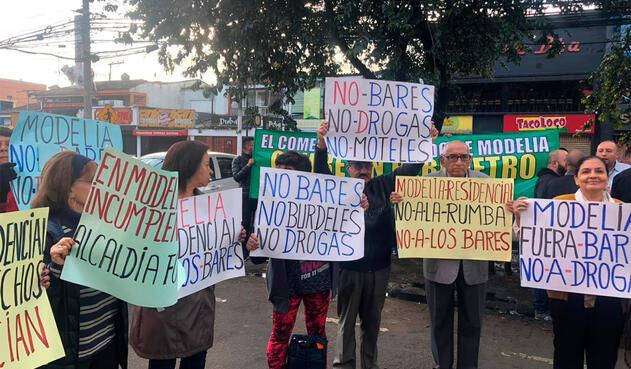 Residentes en Modelia (Bogotá) piden el cierre de bares de la zona