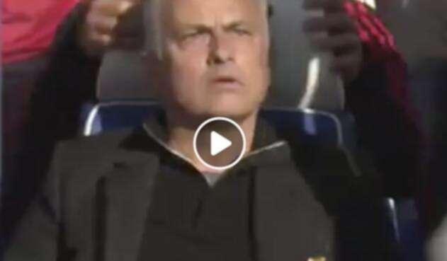José Mourinho, DT del United, enfurecido