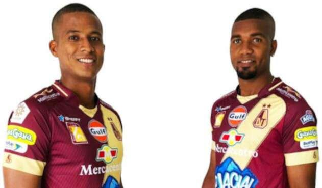 Jugadores del Deportes Tolima portando la nueva indumentaria