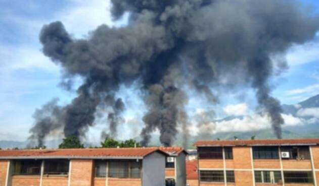 Incendio planta petrolera PDVSA