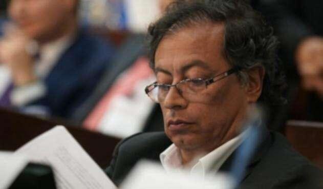 Gustavo Petro senador de la República en debate de la reforma a la justicia