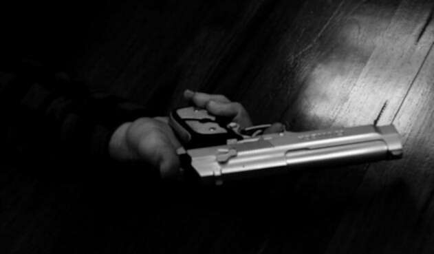 Hay una intensa polémica por el decreto de porte de armas.