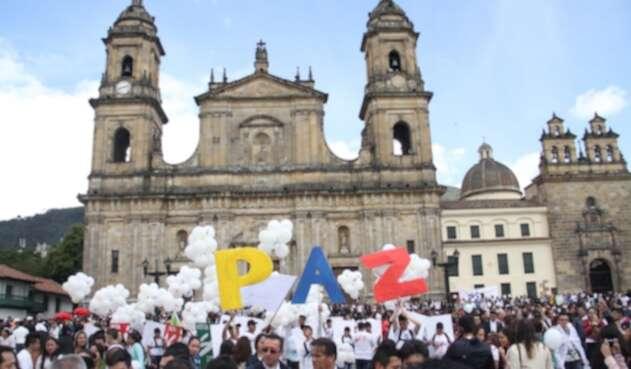 Cientos de personas se reunieron el 26 de septiembre de 2016 en el denominado 'Concierto de la Paz' para promulgar el Sí en el plebiscito.