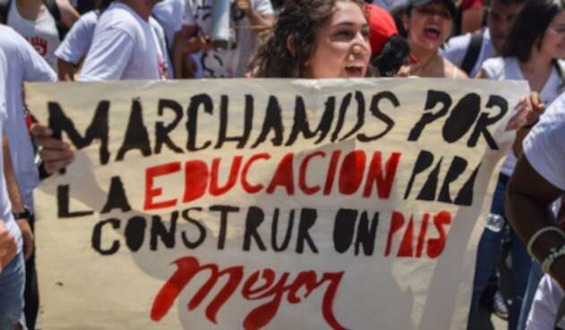 Protesta de estudiantes universitarios.