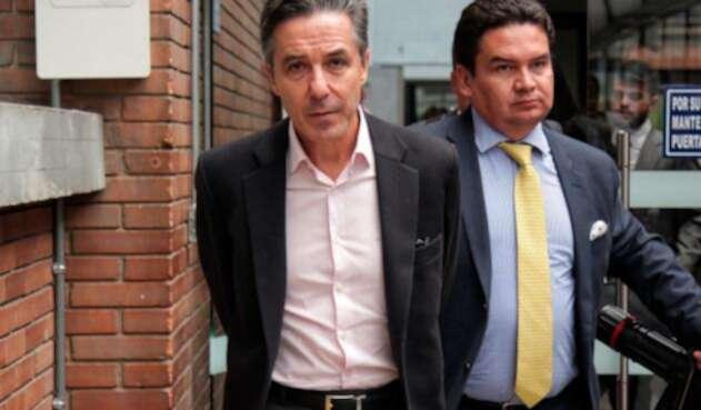 Roberto Prieto Uribe y Marlon Díaz, su abogado defensor, en Bogotá