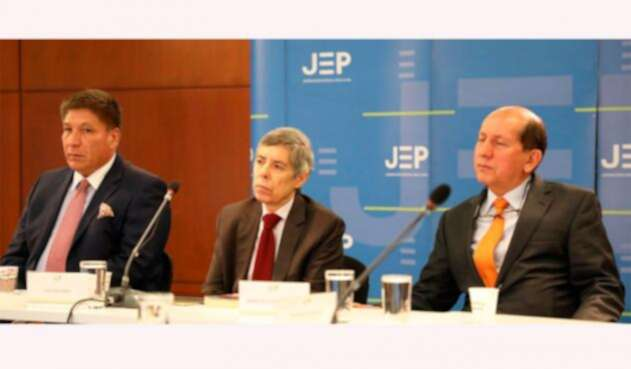 Sigifredo López, Alan Jara y Luis Herlindo Mendieta ante la JEP