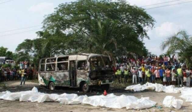 Un bus se incendió en Fundación, en 2014, y en él murieron 33 niños.
