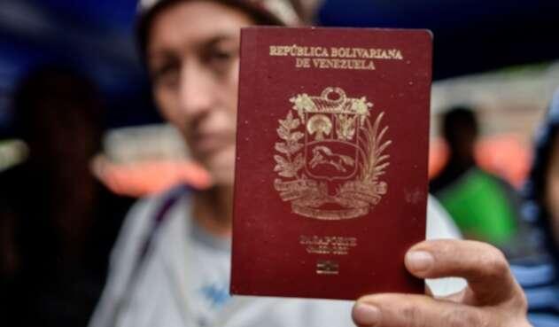 Venezolanos migración pasaporte