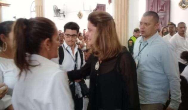 La vicepresidenta, Marta Lucia Ramírez viajó a Fundación al sepelio de Génesis.