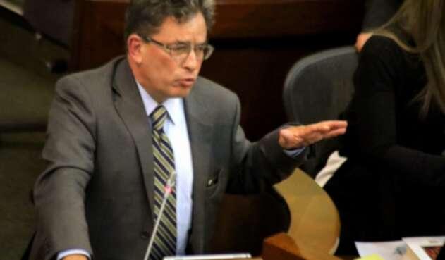 Ministro de Hacienda, Alberto Carrasquilla, interviene en el Senado