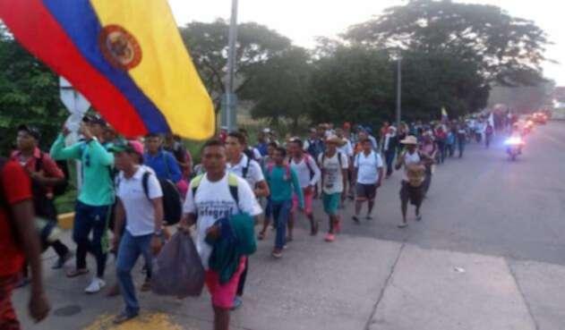 Se movilizaron a pie desde sus comunidades con destino a la sede de la Gobernación de Bolívar