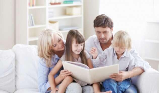 Una familia comparte tiempo de calidad