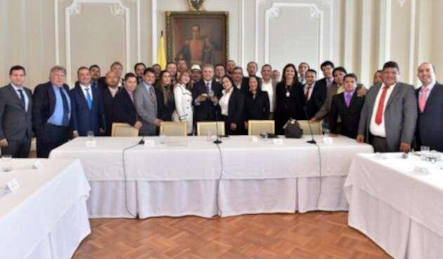 Presidente Iván Duque reunión con taxistas