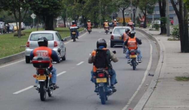 Motociclistas en vías de Bogotá