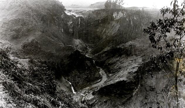 Tras le erupción del volcán Nevado del Ruiz, al menor 25 mil personas murieron.