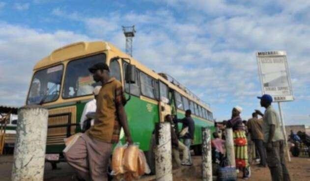Foto referencial buses en Zimbabwe.