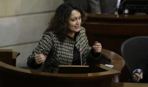 La senadora Angélica Lozano