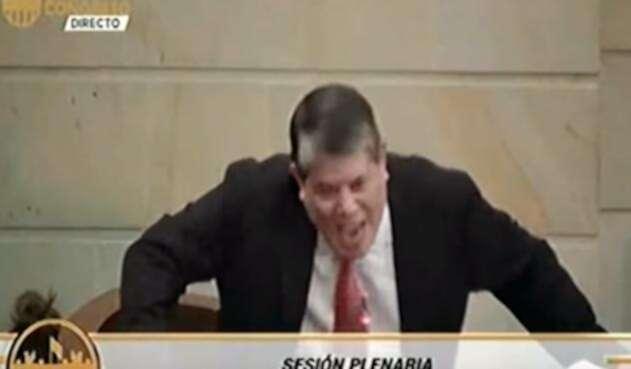 Antonio Luis Zabaraín en el debate a Néstor Humberto Martínez en el Senado