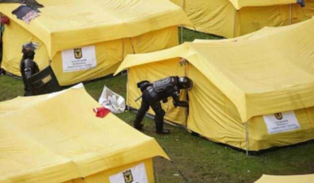 Requisas en campamento de venezolanos en Bogotá.
