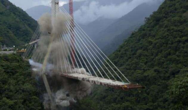 El 11 de julio de 2018, en Guayabetal (Cundinamarca), en la vía Bogotá - Villavicencio, se llevó acabo la implosión de la parte que quedó en pie del colpasado puente de Chirajara. La primera parte se cató el 15 de enero de 2018