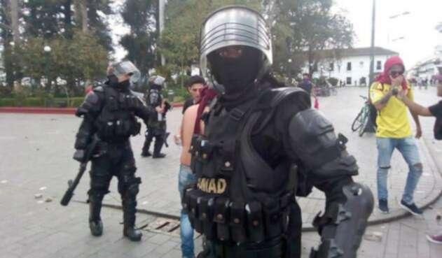 Estudiantes y Policías se enfrentaron en protestas en Popayán.