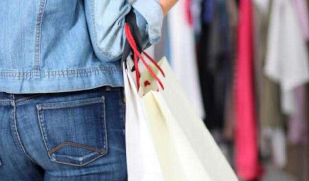 Usar crédito para adquirir artículos es una forma de realizar compras