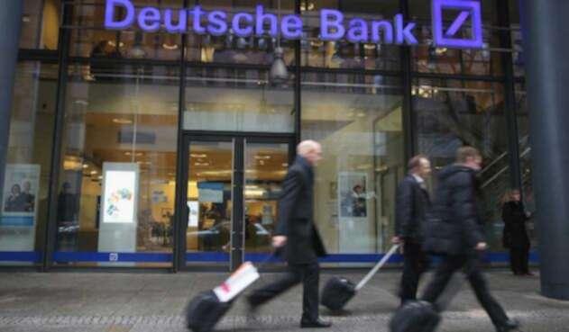 Autoridades alemanas señalan que el banco ayudó a blanquear dinero