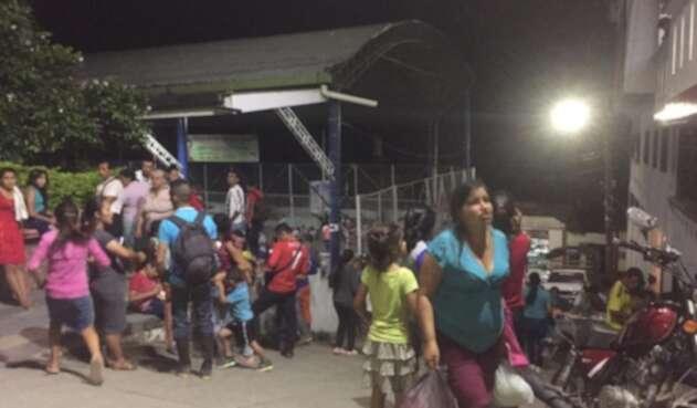 Comunidades desplazadas en el Catatumbo por combates entre el Eln y Epl en Hacarí.