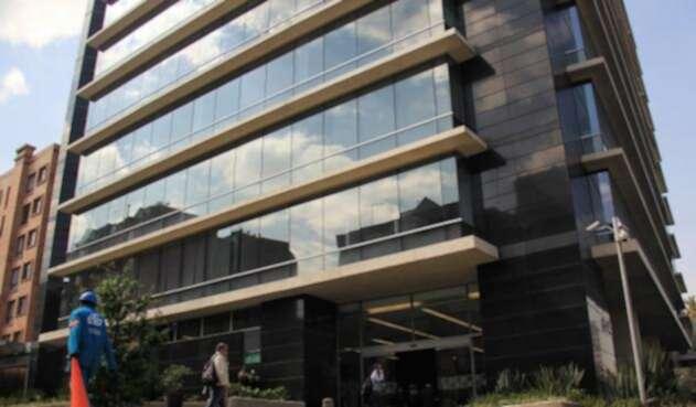Fachada del edificio de la JEP