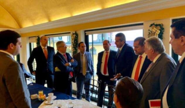 Expresidente César Gaviria y senadores liberales
