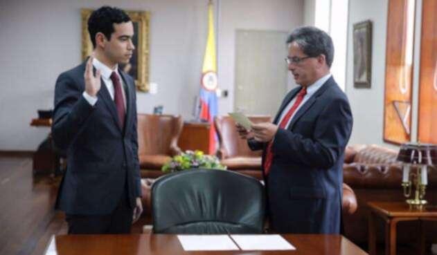 Luis Alberto Rodríguez, viceministro de Hacienda, junto a Alberto Carrasquilla, ministro de Hacienda