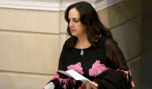 La senadora María Fernanda Cabal, de nuevo protagonista de una polémica en Twitter.