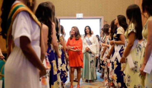 Marta Lucía Ramírez lanza consejo a candidatas al reinado Nacional de la Belleza