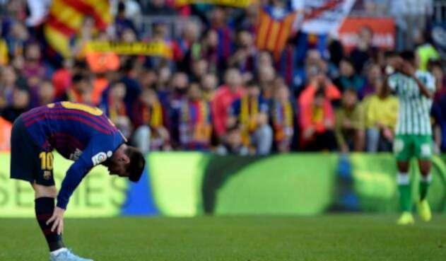 Lionel Messi, en acción ante el Betis en el Camp Nou
