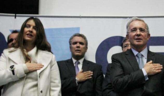 Paloma Valencia junto a Álvaro Uribe