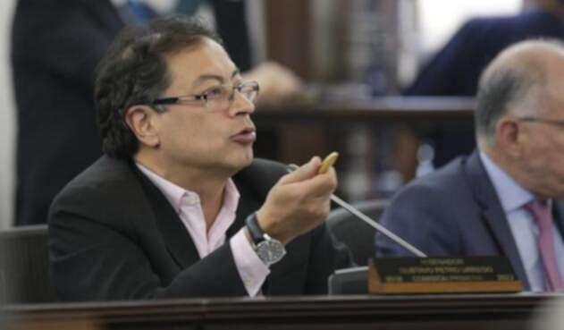 Gustavo Petro anuncia que el primero que se debe enderezar es el expresidente Álvaro Uribe.