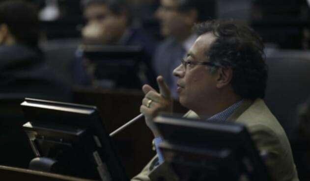 Gustavo Petro es señalado de corrupción