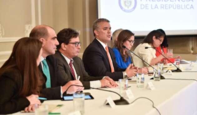Presidente Iván Duque con equipo de ministros