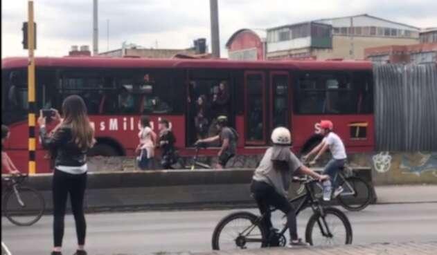 Transmilenio bloqueado por las marchas del 28 de noviembre