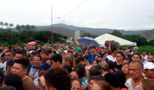 Ciudadanos venezolanos ingresando a Norte de Santander