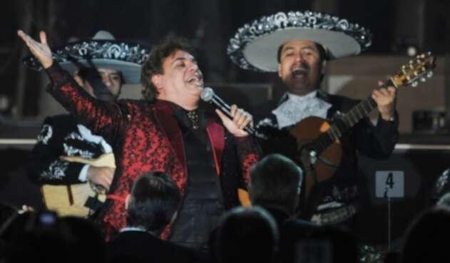 Juan Gabriel en una presentación en Las Vegas, Nevada (2009)
