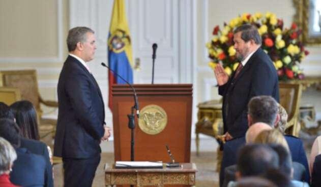 Presidente Iván Duque y el nuevo embajador de Colombia en Costa Rica Angelino Garzón