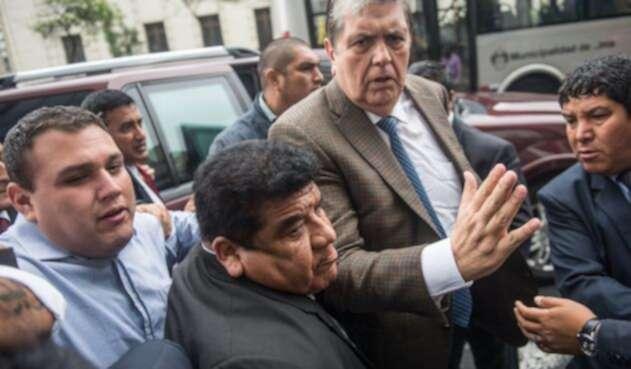 Alan García, expresidente de Perú, llegando a la Fiscalía en Lima, el 15 de noviembre de 2018