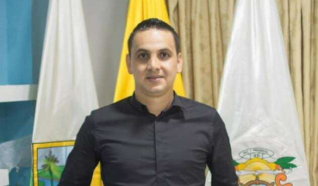 Alcalde de Puerto Berrío, Jaime Cañas, fue capturado haciendo disparos al aire